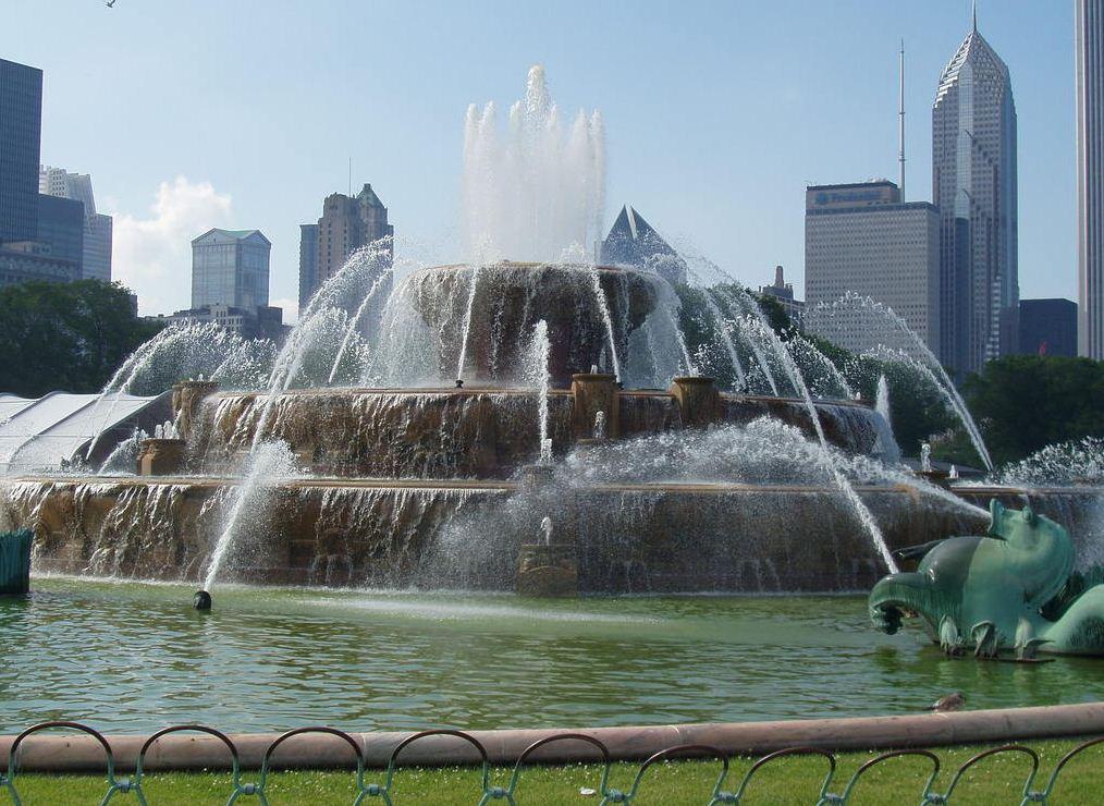 Букингемский фонтан Чикаго фото