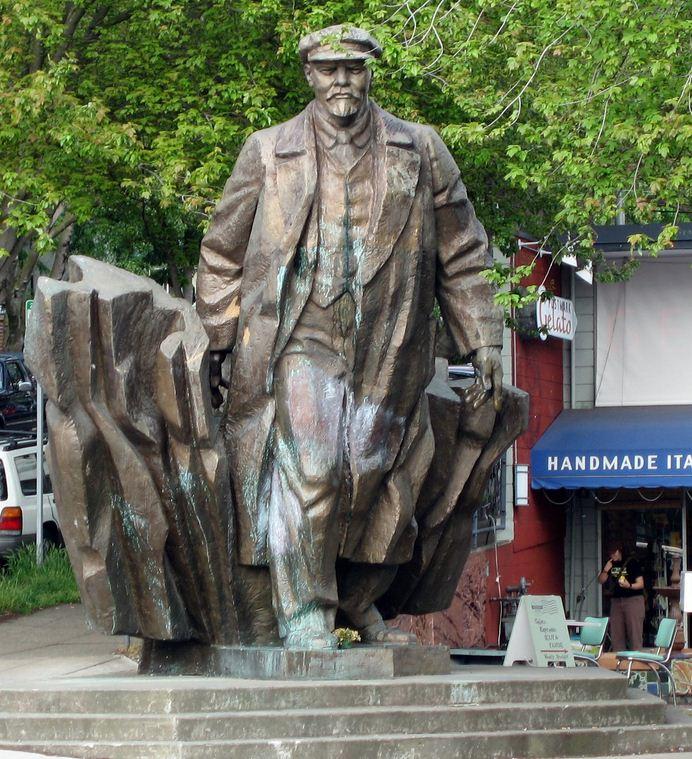 памятник Ленину в Америке