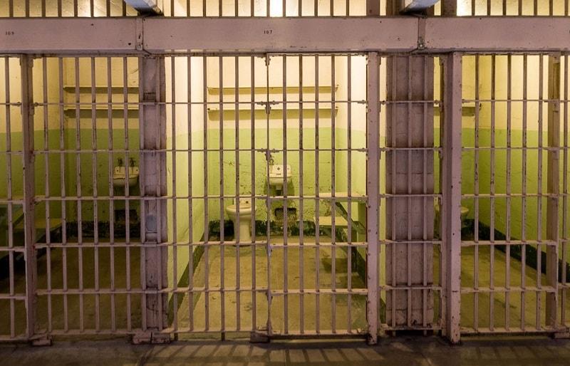 Тюремные камеры  Алькатрас США